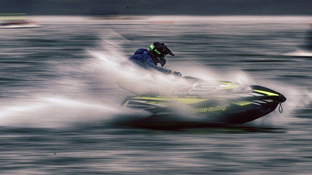 Sporty wodne. Rezerwacja jachtów Miedwie, Skutery wodne yamaha